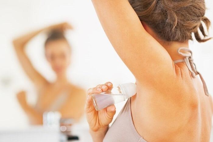Как устранить запах пота