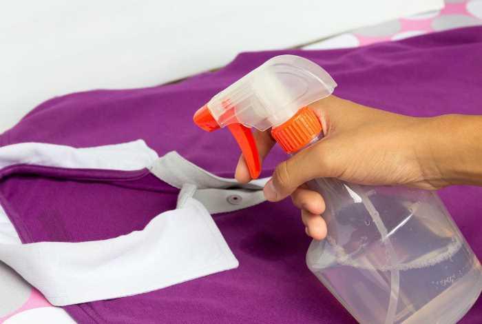 Очистить одежду с помощью спрея