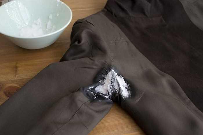 Соль против запаха пота