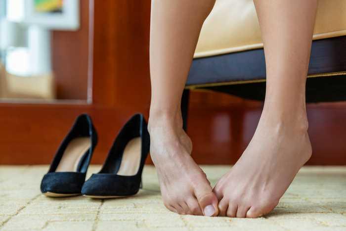 Закрытые и узкие туфли